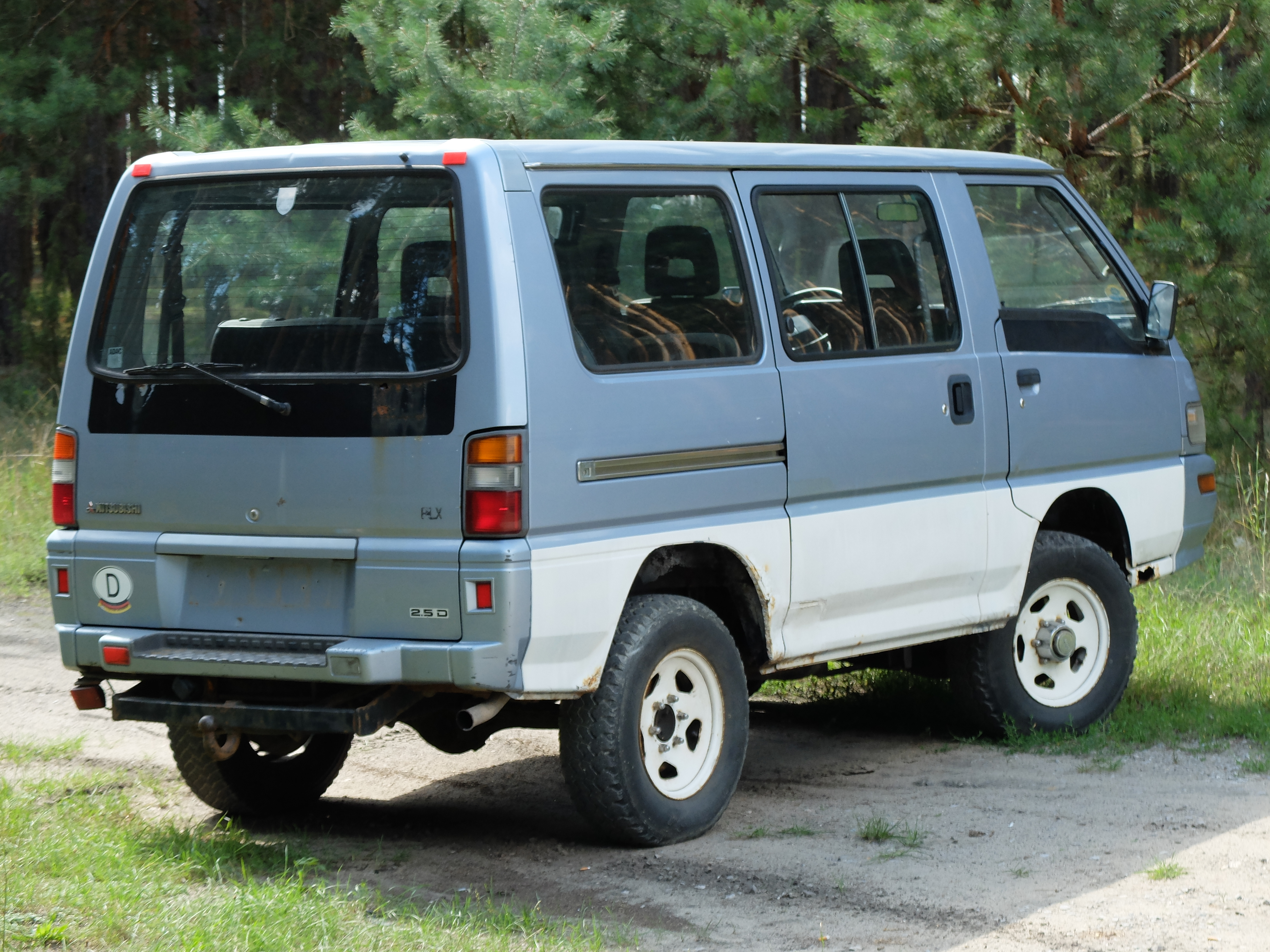Mitsubishi L300 2.5 TD 4WD